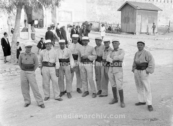 Afrika 1932. Uniformierte Soldaten. Algerien?